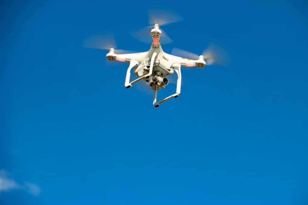 Comment réussir sa campagne de publicité avec un drone ?